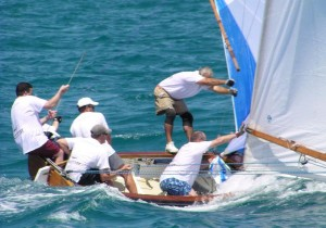 Bermuda Fitted Dinghy - Contest